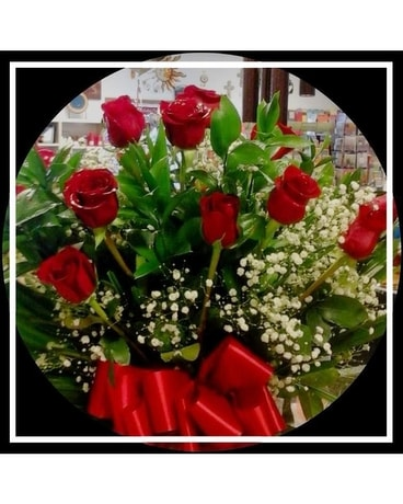 Lisa's 1 dz red roses Flower Arrangement