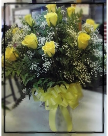 1 dz Yellow Roses Flower Arrangement
