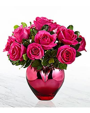 The FTD Hold Me in Your Heart Flower Arrangement
