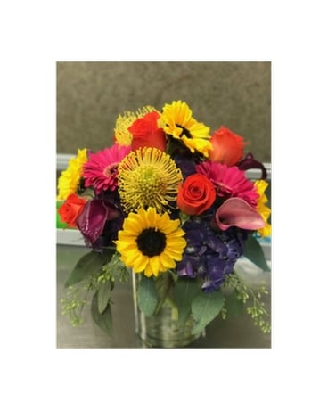 BRIGHT AND COLORS Flower Arrangement