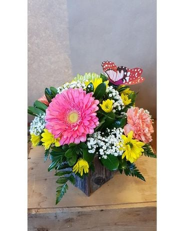 Bright Delight Flower Arrangement
