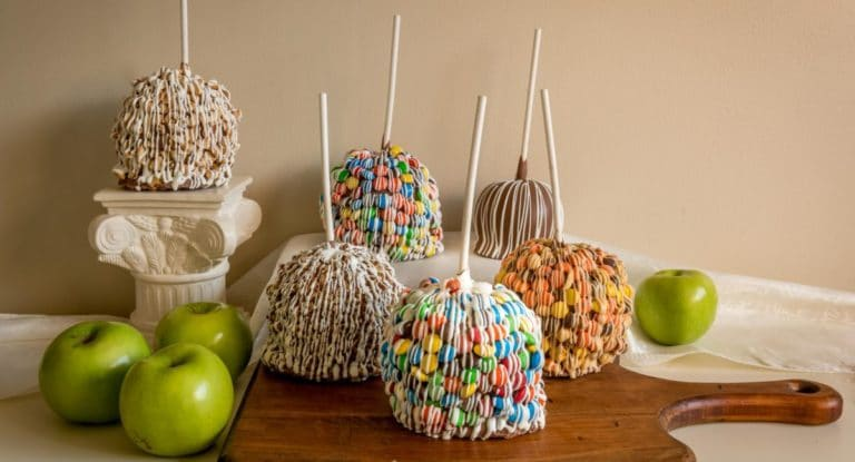 Applelicious Caramel Apples With Toppings