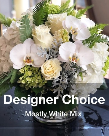 white shadows Flower Arrangement