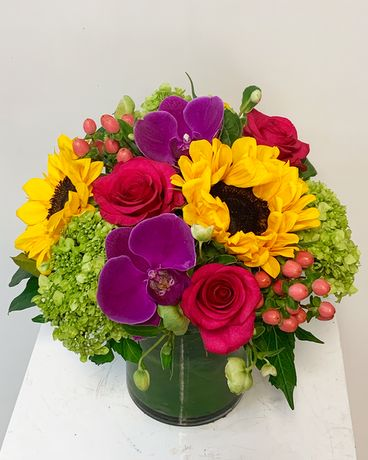 Summer Vibe Flower Arrangement
