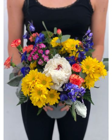 Bright & Colorful Flower Arrangement