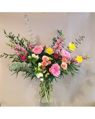 Vivianne Flower Arrangement