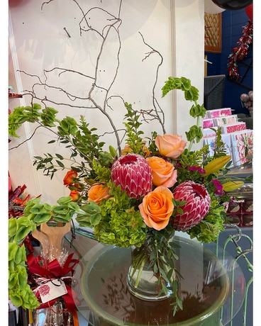 Designers Choice - Deluxe Flower Arrangement