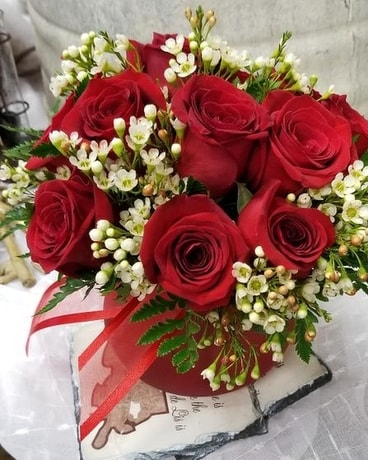 Simply Fleurs Flower Arrangement
