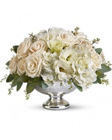 Teleflora's Park Avenue Centerpiece Flower Arrangement