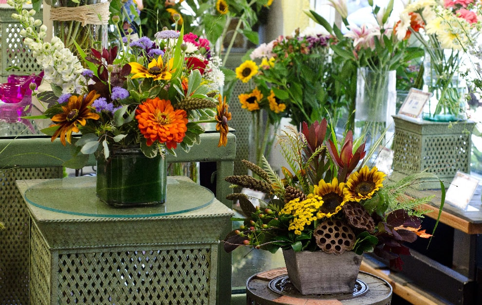 Palmer Flowers offers premium flower delivery service in Fort Collins, Loveland and surrounding areas.