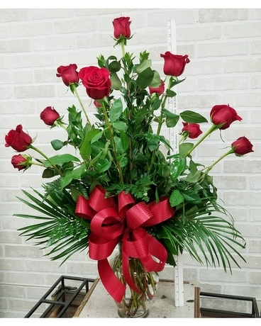 Dozen long stem roses Flower Arrangement