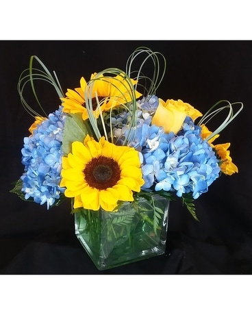 Smile for Miles Flower Arrangement