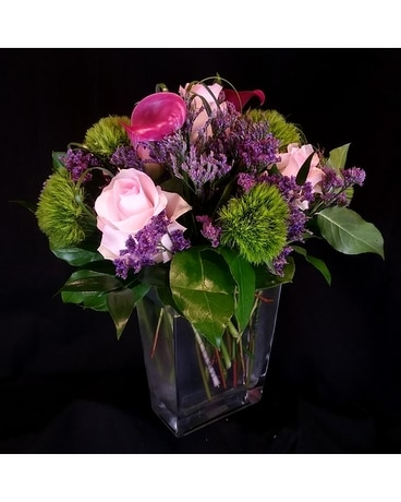 An Elegant Gesture Flower Arrangement