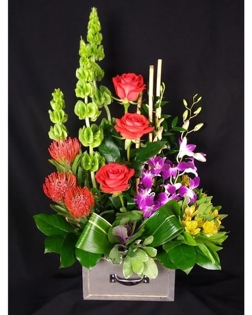 Top Drawer Class Flower Arrangement