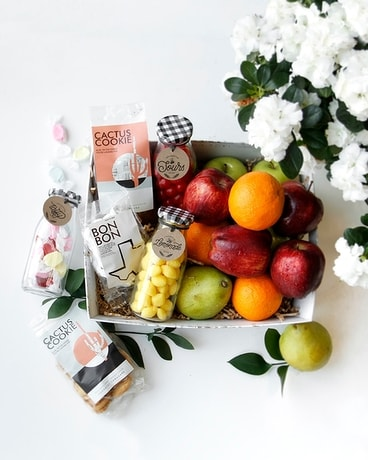 Candyfruit Scrumptious Box | Sweets & Fruits