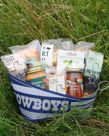 Dallas Cowboys Tailgater Gift Basket
