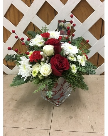 Winterberry Cube Flower Arrangement