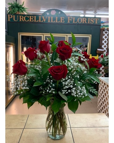 Red Roses with Baby's Breath Flower Arrangement