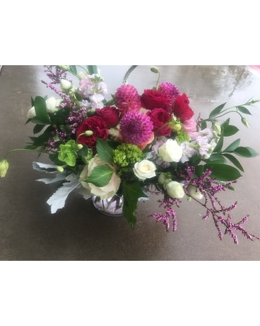 pinks in autumn Flower Arrangement