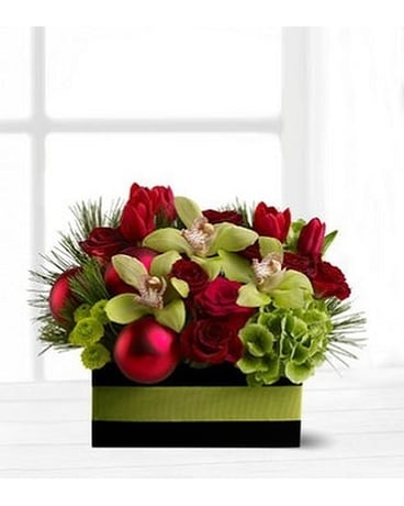Holiday Chic Flower Arrangement