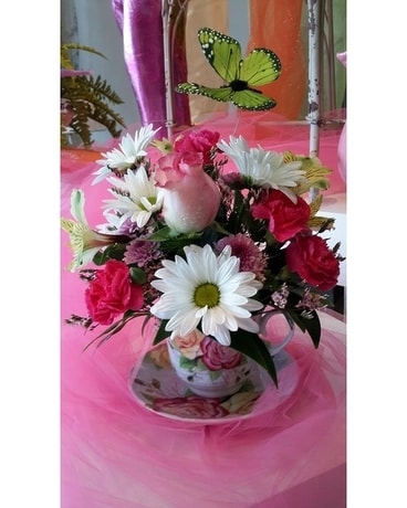 SPRING TEACUP Flower Arrangement