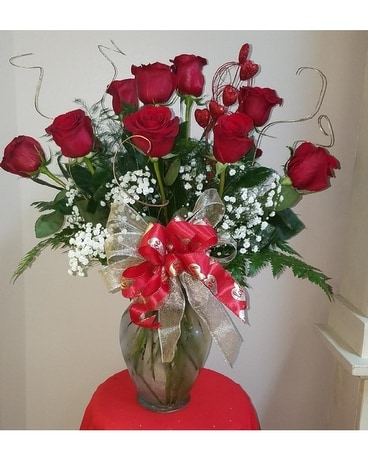 VALENTINE ROSES Flower Arrangement