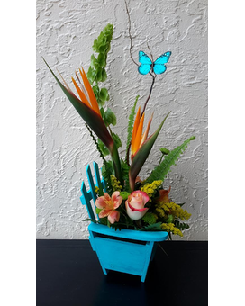TROPICAL BEACH CHAIR Flower Arrangement