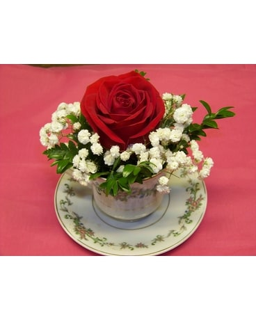 TEA-CUP ROSE Flower Arrangement