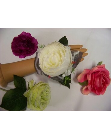 GLAMOUR WRIST CORSAGE Corsage