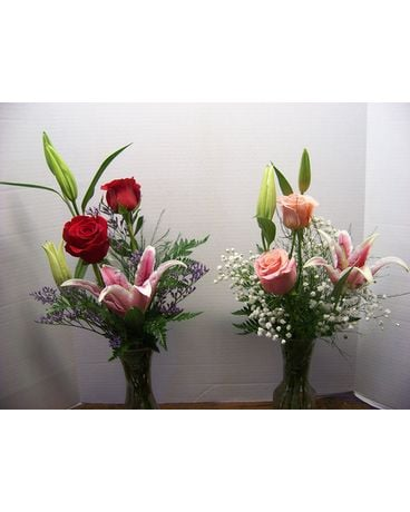 Rose & Lily vase Flower Arrangement