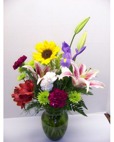 ROBUST MIX VASE Flower Arrangement