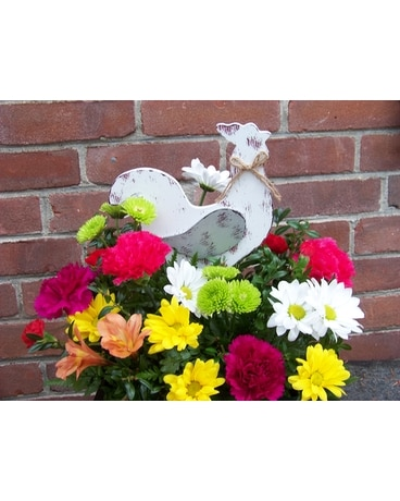 COLORFUL CLUCK CLUCK Flower Arrangement