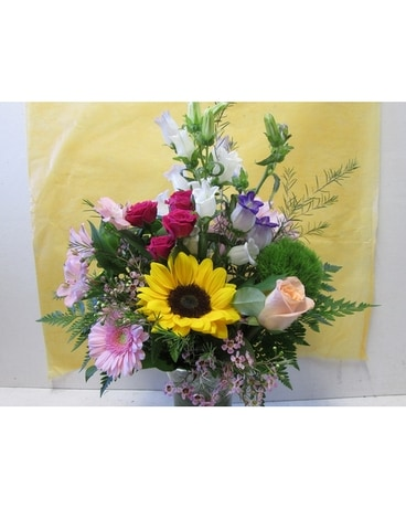 Spring Happiness Vase (HS-716) Flower Arrangement
