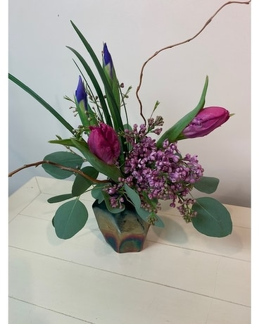 Geometric Hues Flower Arrangement