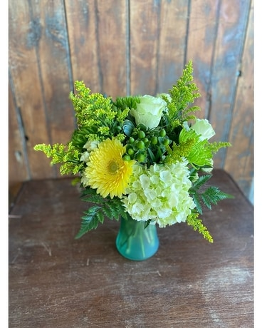 Sunny and Green Flower Arrangement