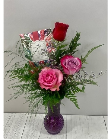 Roses and Sachet Flower Arrangement