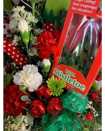 Mistletoe Kisses Flower Arrangement