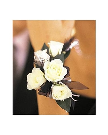 5 White Mini Roses Wristlet Flower Arrangement