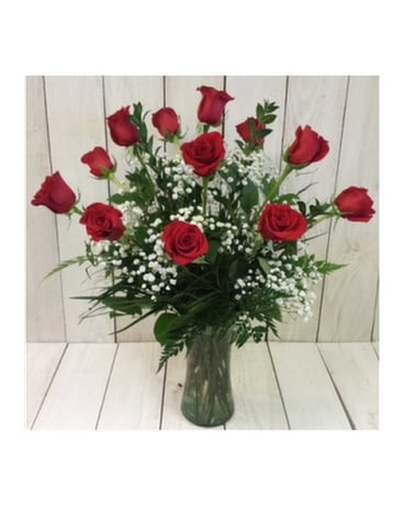 Lovely Red Roses Flower Arrangement