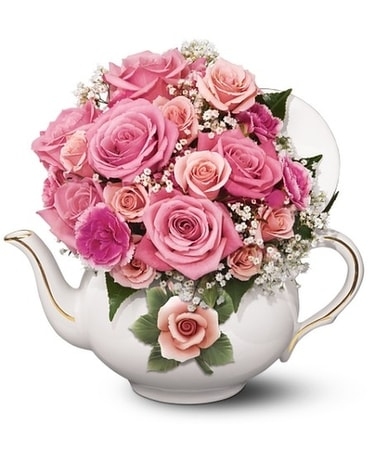 Pink rose teapot Flower Arrangement