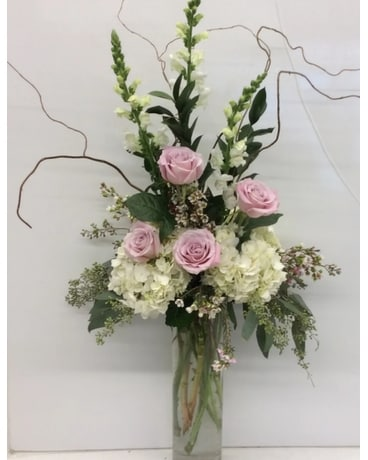 Simple Elegance Flower Arrangement