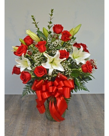 24 ROSES ARRANGED WITH LILIES