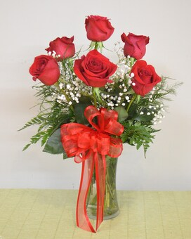 6 Roses Arranged
