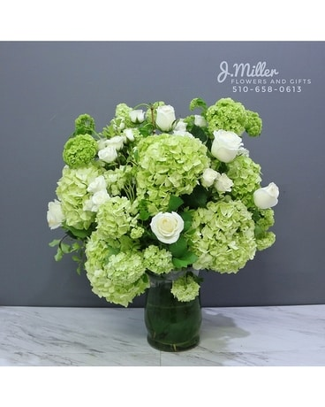 Mother's Day: English Garden Flower Arrangement