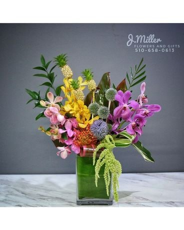 Tiki w/ Mini Pineapple! (pre-order only) Flower Arrangement