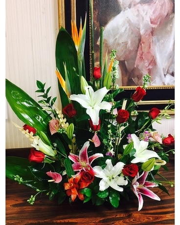 Exquisite Tropical Beauty Flower Arrangement