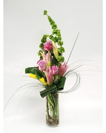 pink and pearls Flower Arrangement
