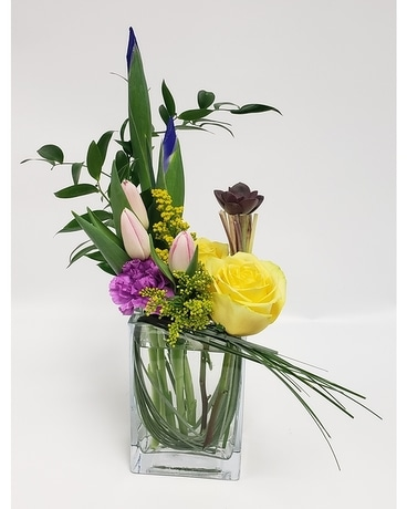 Hip to be Square Flower Arrangement