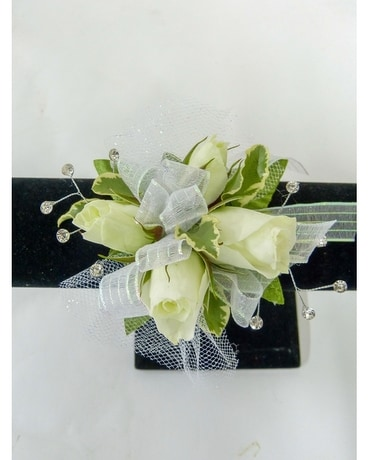 Four Bloom Spray Rose Wrist Corsage Corsage