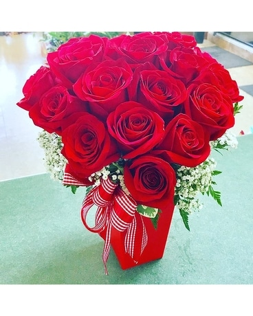 Rose Heart Flower Arrangement